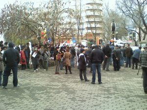 protest bucuresti piata universitatii impotriva chevron  jos guvernul jos basescu