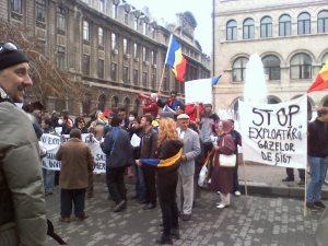 proteste impotriva dictaturii guvernului jos basescu jos chevron, nu exploatarii gazelor de sist