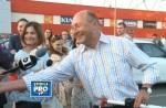 traian basescu dictator parcare supermarket Carrefour se behaie cu reporterii