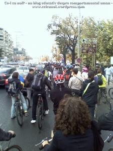 poze foto imagini eveniment mars protest bicicleta 27 oct 2012 Bucuresti Existam si o sa avem banda pista piste ilegale biciclisti, ceicunoi.wordpress.com 19