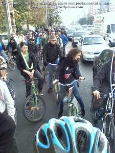 poze foto imagini eveniment mars protest bicicleta 27 oct 2012 Bucuresti Existam si o sa avem banda pista piste ilegale biciclisti, ceicunoi.wordpress.com 20
