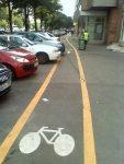 pista de biciclete sorin oprescu bucuresti batjocura pe trotuar impracticabila stramba in functie de masinile parcate, ceicunoi.wordpress.com