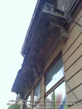 atentie cade balconul tencuiala bucuresti universitate regina elisabeta restaurare cladiri vechi care stau sa cada, pericole in bucuresti, ceicunoi.wordpress.com 3