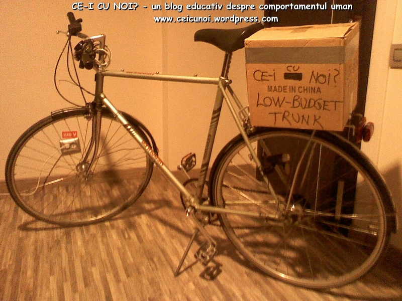 cutie portbagaj bicicleta low budget trunk ce-i cu noi ceicunoi.wordpreass.com un blog educativ despre comportamentul uman, cu bicicleta in trafic iarna, echipament ciclism 1