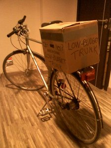 cutie portbagaj bicicleta low budget trunk ce-i cu noi ceicunoi.wordpreass.com un blog educativ despre comportamentul uman, cu bicicleta in trafic iarna, echipament ciclism 2