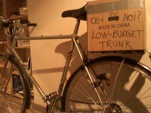 cutie portbagaj bicicleta low budget trunk ce-i cu noi ceicunoi.wordpreass.com un blog educativ despre comportamentul uman, cu bicicleta in trafic iarna, echipament ciclism 4