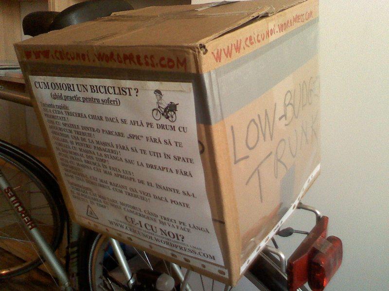 cutie portbagaj bicicleta low budget trunk ce-i cu noi ceicunoi.wordpreass.com un blog educativ despre comportamentul uman, cu bicicleta in trafic iarna, echipament ciclism 7