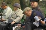 adio pensie luati va gandul de la pensii plata pensiilor incapacitatea de plata a statului prea putini tineri multi batrani pensionarii mor foame, pensie decenta, nu vom mai primi pensie nici privata 1