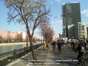poze imagini galerie foto protest miting marsul biciclistilor pe bicicleta piste biciclete infrastructura reala biciclisti 23 martie 2013 parc izvor bucuresti primaria generala sorin oprescu 42