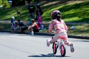 mersul pe bicicleta sfaturi incepatori,  Metoda clasica si metoda usoara. Cum sa mergi in echilibru cu bicicleta inveti sa mergi lectii de mers pe bicicleta in cel mai usor mod posibil 2