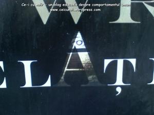 afis concert muzica bogdan ota simboluri masonice masonerie mason piramida cu varful detasat si ochiul care vede tot simbolistica oculta afisare pe strada promovare eveniment ceicunoi 3