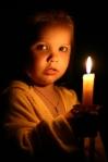 Lumanarea - pilda invatatura sfaturi educative de la parinti pentru copii comparatie lumânare viata unui om, de la nastere pana la batranete Despre viata omului pe Pamant in societatea umana romaneasca