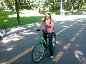 18 curs gratuit cum inveti sa mergi bicicleta lectii sfaturi biciclisti incepatori metoda usoara intalnire mersul pe doua roti echilibru 7 septembrie 2013 Kiseleff Bucuresti, scoala biciclete ceicunoi.wordpress.com