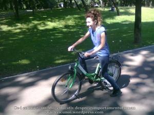 19 curs gratuit cum inveti sa mergi bicicleta lectii sfaturi biciclisti incepatori metoda usoara intalnire mersul pe doua roti echilibru 7 septembrie 2013 Kiseleff Bucuresti, scoala biciclete ceicunoi.wordpress.com