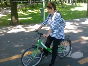 24 curs gratuit cum inveti sa mergi bicicleta lectii sfaturi biciclisti incepatori metoda usoara intalnire mersul pe doua roti echilibru 7 septembrie 2013 Kiseleff Bucuresti, scoala biciclete ceicunoi.wordpress.com