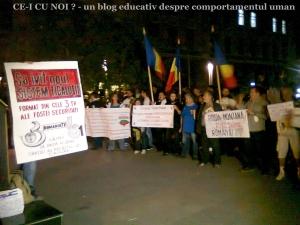 4 protest rosia montana 17 septembrie bucuresti universitate piata universitatii fantana arhitectura miting manifestatie gaze sist coruptie presa vanduta cumparata rmgc securisti
