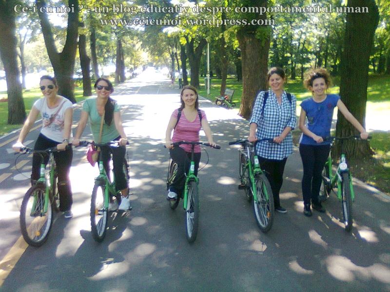 40 curs gratuit cum inveti sa mergi bicicleta lectii sfaturi biciclisti incepatori metoda usoara intalnire mersul pe doua roti echilibru 7 septembrie 2013 Kiseleff Bucuresti, scoala biciclete ceicunoi.wordpress.com