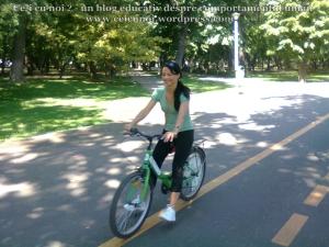 6 curs gratuit cum inveti sa mergi bicicleta lectii sfaturi biciclisti incepatori metoda usoara intalnire mersul pe doua roti echilibru 7 septembrie 2013 Kiseleff Bucuresti, scoala biciclete ceicunoi.wordpress.com