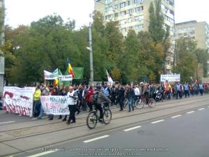 23 galerie poze imagini foto mars protest miting rosia montana bucuresti 13 octombrie 10 2013 manifestatie anti contra impotriva proiectului minier cu cianuri RMGC pancarte