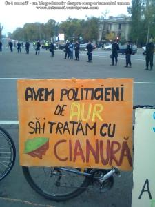 61 galerie poze imagini foto mars protest miting rosia montana bucuresti 13 octombrie 10 2013 manifestatie anti contra impotriva proiectului minier cu cianuri RMGC pancarte