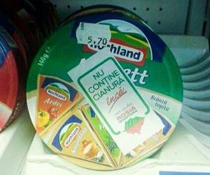 nu contine cianura inca campanie facebook uniti salvam rosia montana stickere abtibilde pe produse alimentare in supermarket magazin lactate alimente branza protest anti cianuri 1