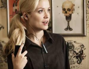 Castile de telefon hands free wireless ne protejeaza de cancer creier nu tineti telefonul la ureche sfaturi convorbiri socializare la telefonul mobil sanatate anti contra impotriva cancerului 7