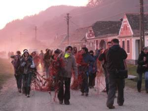 romani adevarati contra gazelor de sist in Mosna Sibiu protest noiembrie 2013 anti impotriva exploatarii gaze neconventionale fracturare hidraulica fara fracking in Romania manifestatie solidaritate tarani