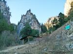 2 poze imagini foto arie protejata arii naturale rezervatia naturala cheile sugaului munticel bicaz chei judet neamt excursie munte in natura peisaje romania stanca varf excursie parc natural padure