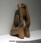 45 poze imagini foto muzeul istorie arheologie figurina statuie  ganditorul arta cultura civilizatia cucuteni piatra neamt istoria milenara a romaniei artefacte vase ceramice figurine obiecte ceramica