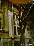 poze imagini galerie foto atentie cad turturi zapada cladiri - FOTO Bucuresti iarna 2013 2014 problema bucatilor de gheata care ne pica in cap romanii sunt inconstienti si ignoranti cu privire la propria viata 7