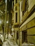 poze imagini galerie foto atentie cad turturi zapada cladiri - FOTO Bucuresti iarna 2013 2014 problema bucatilor de gheata care ne pica in cap romanii sunt inconstienti si ignoranti cu privire la propria viata 10