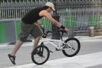 bicicleta bmx pe rampa figuri fite parcuri smecherii invarteli sfaturi achizitionarea unei biciclete second hand din occident magazine online biciclete pe internet ce bicicleta SH sa iti cumperi de unde pentru