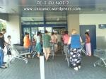 coada supermarket-urile distrug economia Romaniei efectele supermarketurilor asupra economiei locale magazine hypermarket butic cartier bani scosi din tara distrugerea afaceri familie profit 1