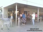 coada supermarket-urile distrug economia Romaniei efectele supermarketurilor asupra economiei locale magazine hypermarket butic cartier bani scosi din tara distrugerea afaceri familie profit 3