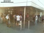 coada supermarket-urile distrug economia Romaniei efectele supermarketurilor asupra economiei locale magazine hypermarket butic cartier bani scosi din tara distrugerea afaceri familie profit 9