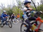 Scoala de bicicleta MTB - cursuri gratuite pentru copii biciclisti incepatori offroad by ciclist profesionist Ulisse Gheduzzi parcul carol Bucuresti martie aprilie 2014 plimbari bicicleta 15