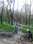 Scoala de bicicleta MTB - cursuri gratuite pentru copii biciclisti incepatori offroad by ciclist profesionist Ulisse Gheduzzi parcul carol Bucuresti martie aprilie 2014 plimbari bicicleta 37