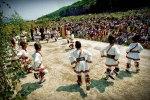 traditii in romania dans traditional costum popular romanesc romanii nu au fost, nu sunt si nu vor fi niciodata nici adaptati nici asimilati si nici integrati in societatea vestica
