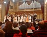 Cor madrigal spectacol concert colinde craciun ateneul roman decembrie 2014 Colindele românești riscă să ajungă doar piese de muzeu. Ce putem face pentru susținerea tradițiilor strămoșești