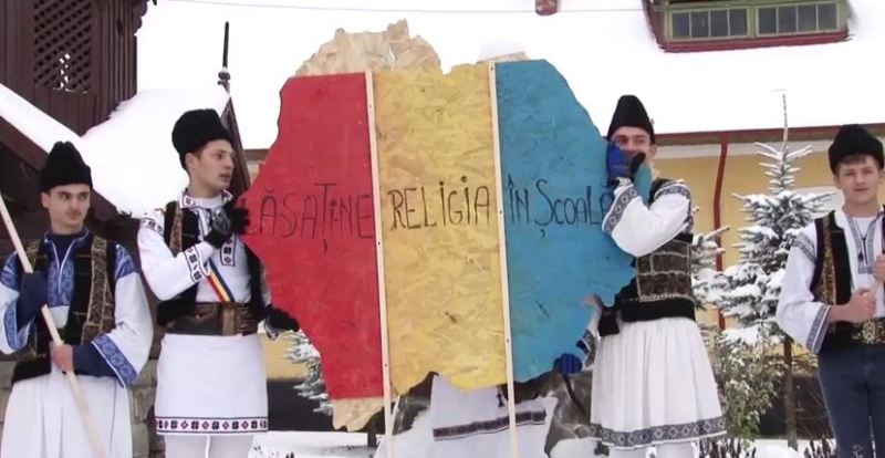 lasati-ne religia in scoala elevi liceu 1 decembrie 2014 romania basarabia identitate nationala