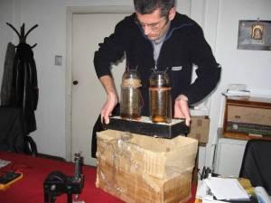 pila karpen inventie romaneasca perpetuum mobile furnizeaza curent electric de peste 60 de ani muzeu tehnica bucuresti