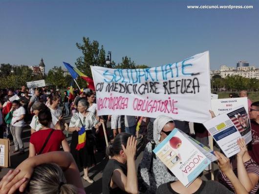 protest-vaccinare-obligatorie-17-septembrie-2017-bucuresti-legea-vaccinarii-obligatorii-01