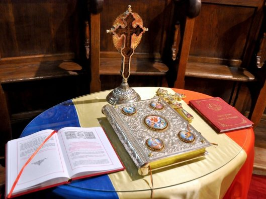 cum-scapam-de-mafia-internationala-solutii-cruce-biserica-tricolor-romania-invatatura-ortodoxa