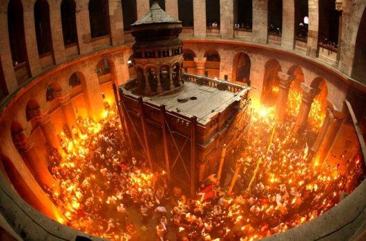 hristos-a-inviat-lumina-sfanta-ierusalim