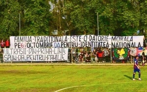 microbistii-stadion-fani-fotbal-sustin-referendum-familie-6-7-octombrie-2018-ok