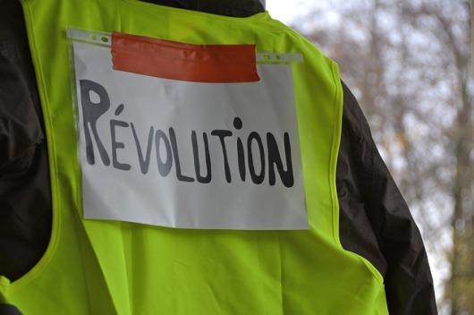revolutie-franta-proteste-vestele-galbele-franta-revolutie-in-franta-proteste-franta-decembrie-2018-o-utopie
