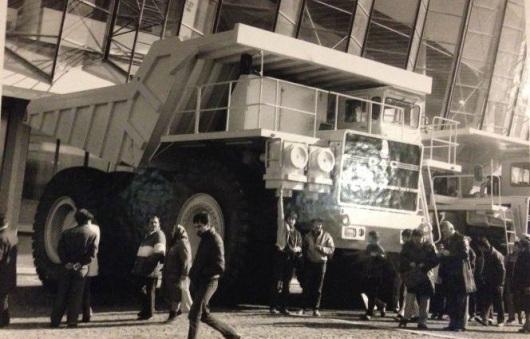 super-camionul-lui-ceausescu-camion-romanesc-dac-120-industrie-de-mare-tonaj-export-australia